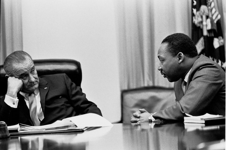 1200px-martin_luther_king,_jr._and_lyndon_johnson_2